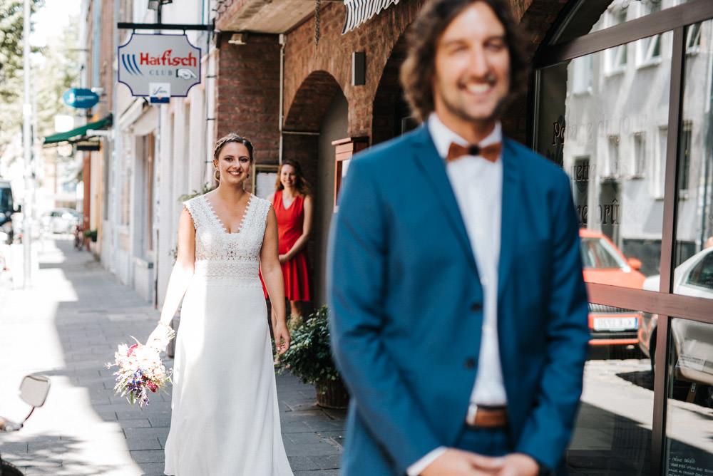 First Look Hochzeit Orangerie im Volksgarten