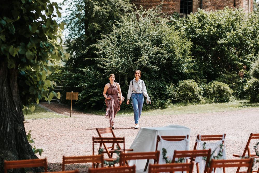 DIY Hochzeit auf Burg Bergerhausen Hochzeitsfotograf Kerpen